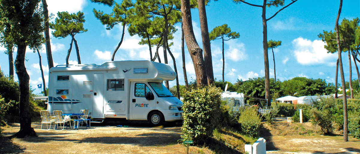 Camping Bois Soleil emplacement camping-car